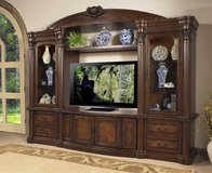 Entertainment - Wall Unit - Empire- monthly payments possible in Aviano, IT
