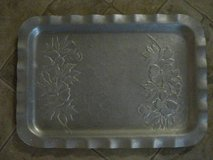 Vintage Tin Serving Tray in Warner Robins, Georgia